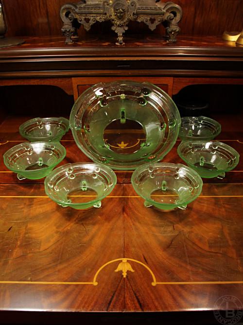 Vintage Uranium Glass Bowl set