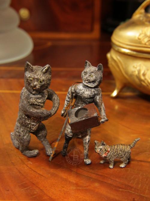 小さな猫たち